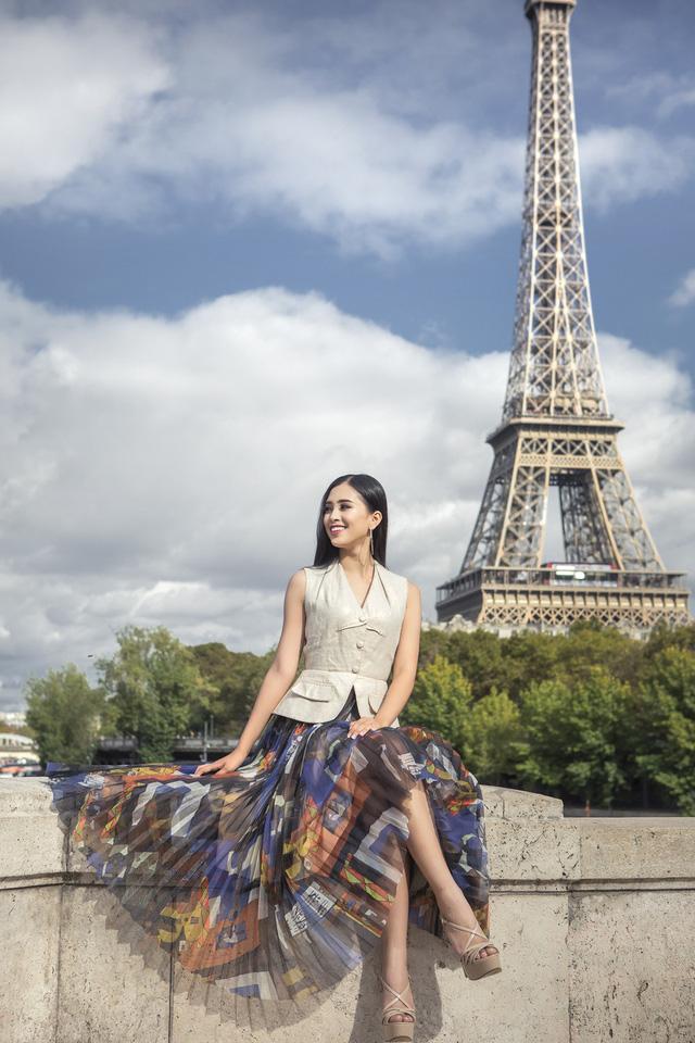 Hoa hậu Tiểu Vy khoe trọn bộ ảnh đẹp say đắm tại Pháp - Ảnh 7.