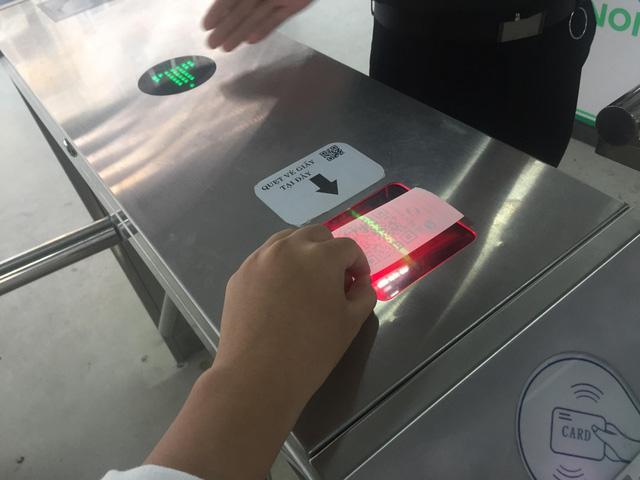 Hà Nội chính thức sử dụng vé điện tử tại xe bus nhanh BRT - Ảnh 6.