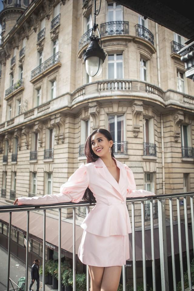 Hoa hậu Tiểu Vy khoe trọn bộ ảnh đẹp say đắm tại Pháp - Ảnh 3.