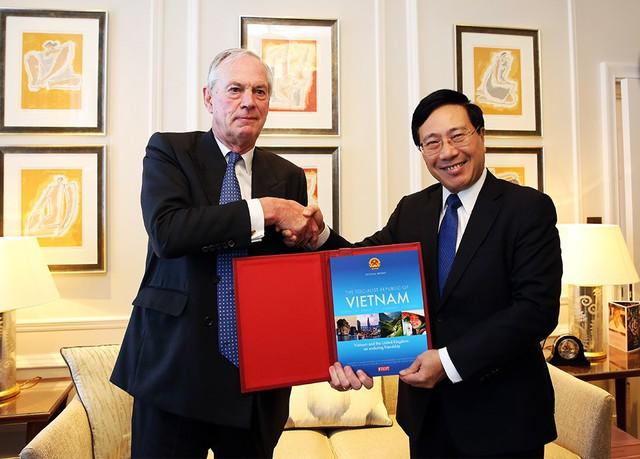 Phó Thủ tướng Phạm Bình Minh thăm chính thức Liên hiệp Vương quốc Anh và Bắc Ireland - Ảnh 4.