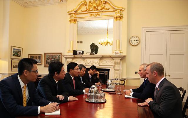 Phó Thủ tướng Phạm Bình Minh thăm chính thức Liên hiệp Vương quốc Anh và Bắc Ireland - Ảnh 3.