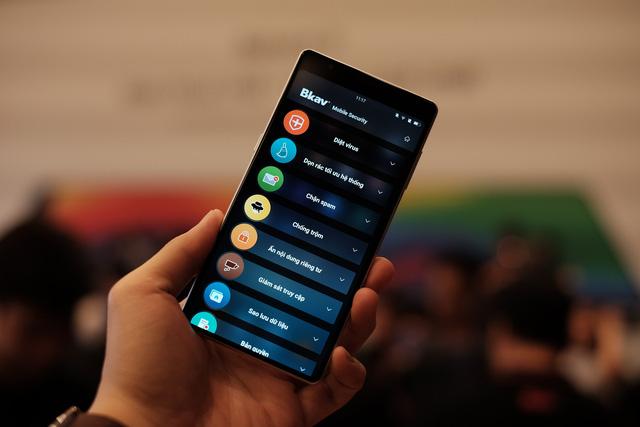 Cận cảnh bom tấn smartphone Bphone 3 của Bkav - Ảnh 5.