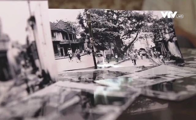 Hà Nội qua những tấm ảnh đen trắng của nghệ sĩ nhiếp ảnh Lê Vượng - Ảnh 1.