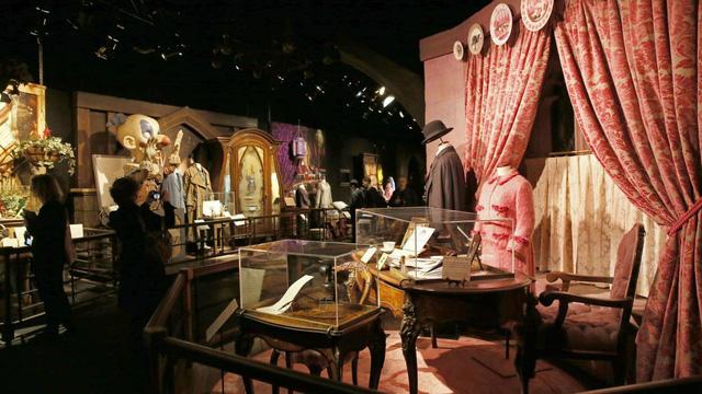 Du khách háo hức trải nghiệm tại triển lãm Harry Potter - Lịch sử của phép màu - Ảnh 8.
