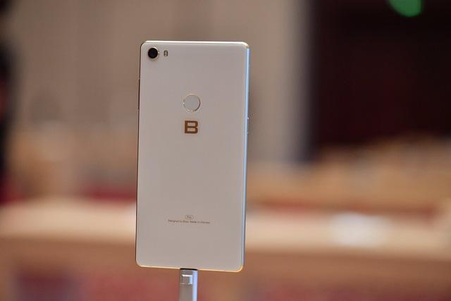 Cận cảnh bom tấn smartphone Bphone 3 của Bkav - Ảnh 9.