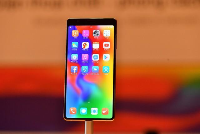 Cận cảnh bom tấn smartphone Bphone 3 của Bkav - Ảnh 2.