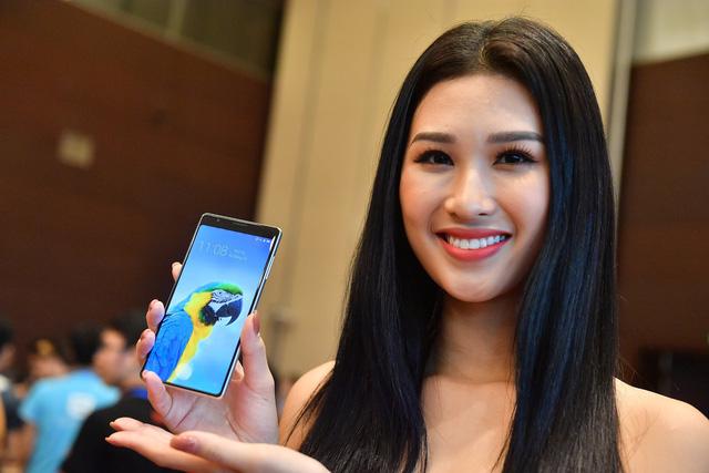 Cận cảnh bom tấn smartphone Bphone 3 của Bkav - Ảnh 13.