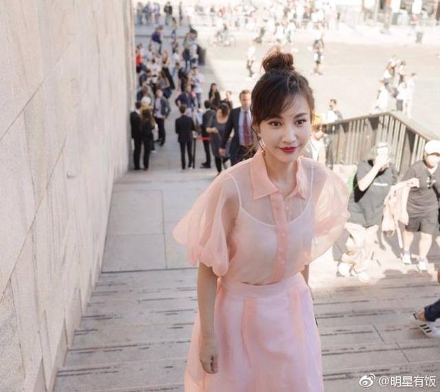 Người đẹp Dương Tuyết bất ngờ tái xuất tại Tuần lễ thời trang Milan - Ảnh 2.
