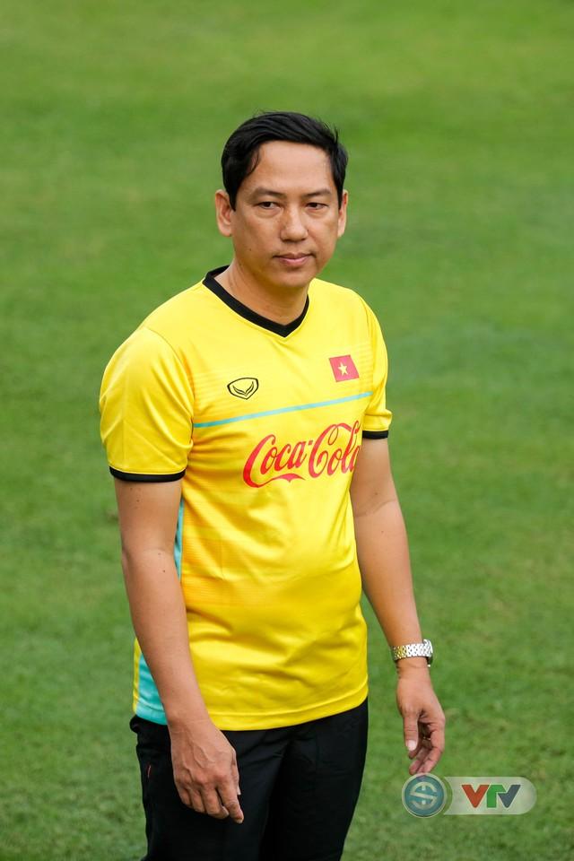 ĐTQG Việt Nam tập buổi đầu tiên chuẩn bị cho AFF Cup 2018 - Ảnh 9.
