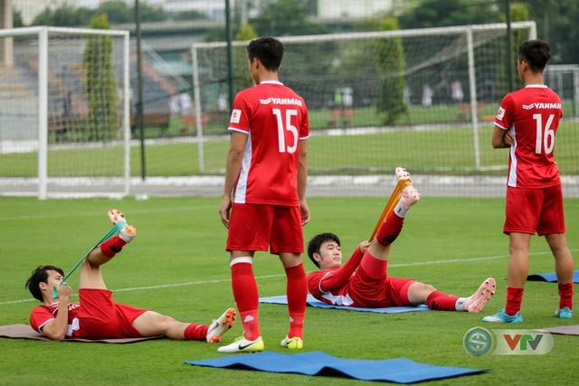 ĐTQG Việt Nam tập buổi đầu tiên chuẩn bị cho AFF Cup 2018 - Ảnh 7.