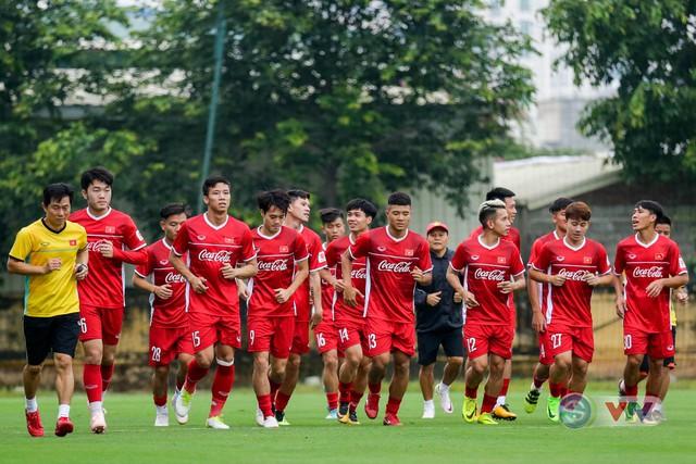 ĐTQG Việt Nam tập buổi đầu tiên chuẩn bị cho AFF Cup 2018 - Ảnh 2.