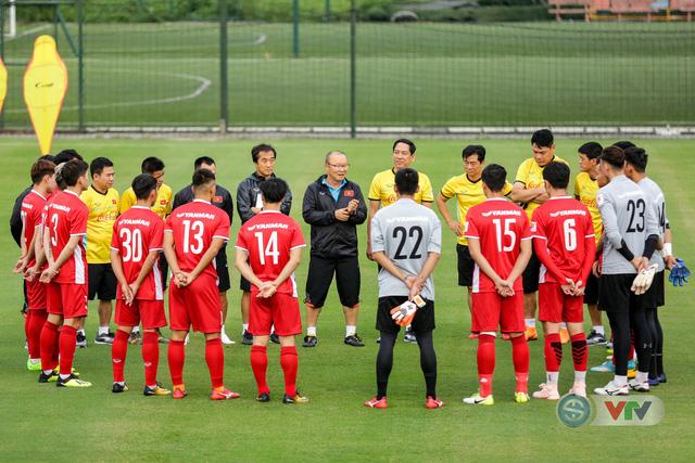 ĐTQG Việt Nam tập buổi đầu tiên chuẩn bị cho AFF Cup 2018 - Ảnh 1.
