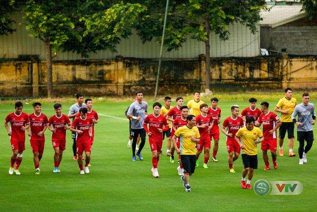 ĐTQG Việt Nam tập buổi đầu tiên chuẩn bị cho AFF Cup 2018 - Ảnh 18.
