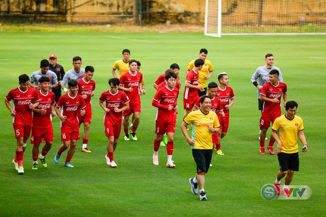 ĐTQG Việt Nam tập buổi đầu tiên chuẩn bị cho AFF Cup 2018 - Ảnh 3.