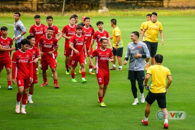 ĐTQG Việt Nam tập buổi đầu tiên chuẩn bị cho AFF Cup 2018 - Ảnh 4.