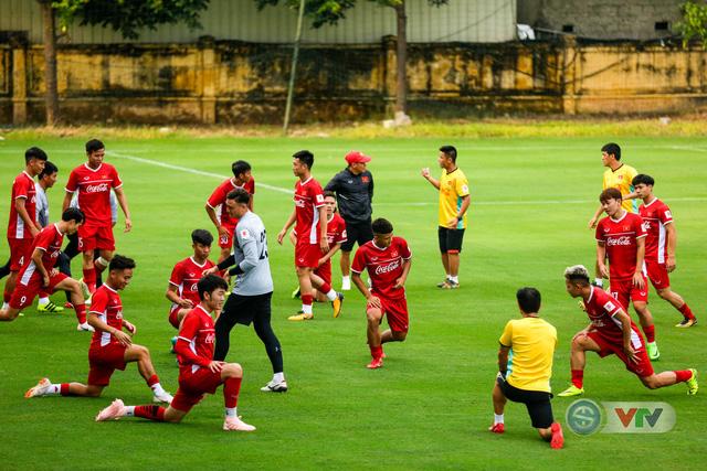 ĐTQG Việt Nam tập buổi đầu tiên chuẩn bị cho AFF Cup 2018 - Ảnh 6.
