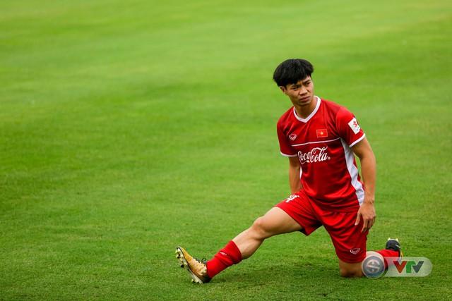 ĐTQG Việt Nam tập buổi đầu tiên chuẩn bị cho AFF Cup 2018 - Ảnh 5.