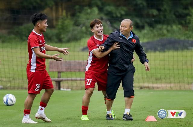 ĐTQG Việt Nam tập buổi đầu tiên chuẩn bị cho AFF Cup 2018 - Ảnh 15.