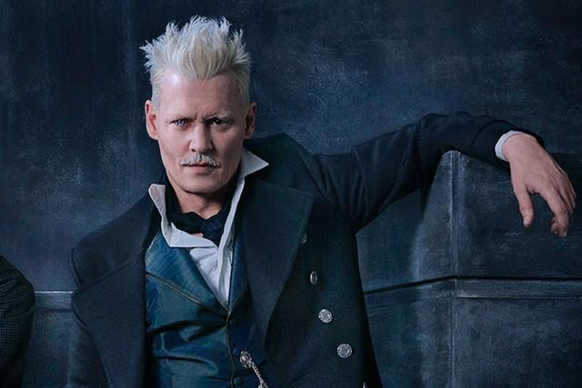 Johnny Depp công bố quay trở lại trong Fantastic Beasts 3 - Ảnh 1.