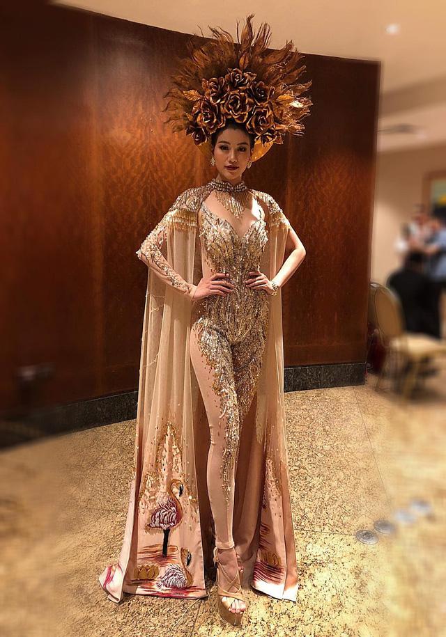Đại diện Việt Nam giành giải Vàng trang phục dân tộc châu Á và Châu Đại dương tại Miss Earth 2018 - Ảnh 2.