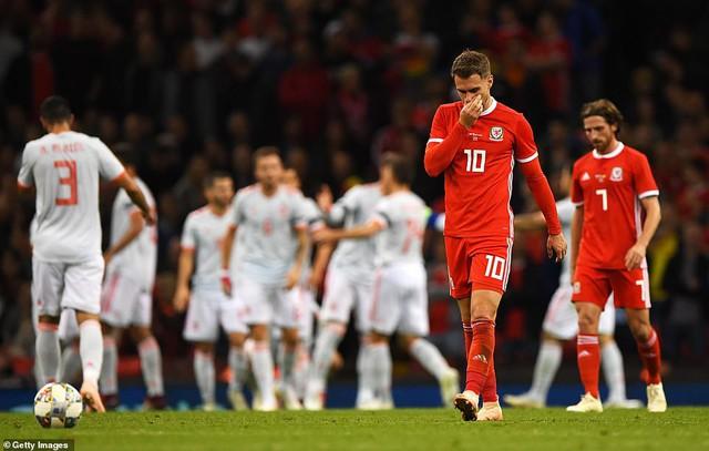 Kết quả bóng đá quốc tế sáng 12/10: Pháp hoà Iceland, Tây Ban Nha thắng đậm Xứ Wales - Ảnh 3.