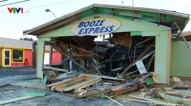 Bão Michael khiến 6 người thiệt mạng, Florida dốc toàn lực cho công tác cứu hộ - Ảnh 1.