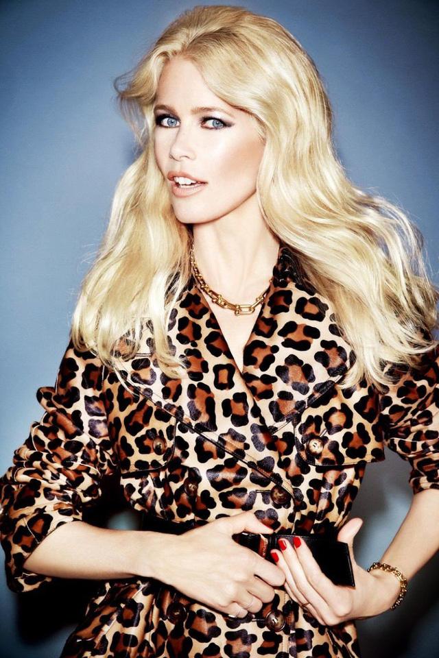 Ngả mũ trước nhan sắc của siêu mẫu nổi tiếng Claudia Schiffer - Ảnh 1.