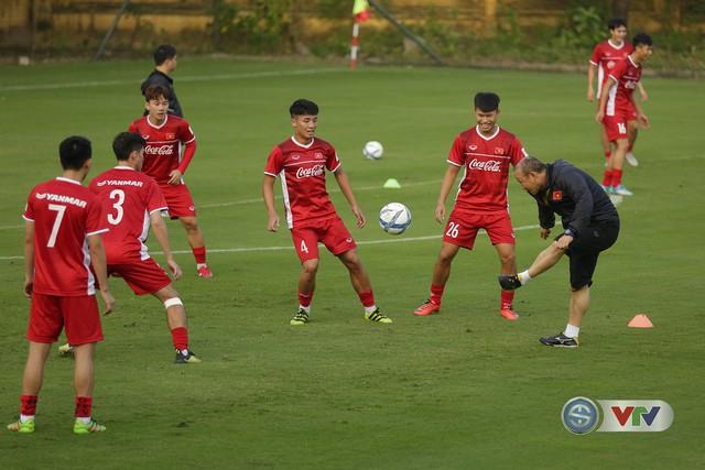 ẢNH: ĐTQG Việt Nam tiếp tục rèn quân cho AFF Cup 2018 - Ảnh 13.