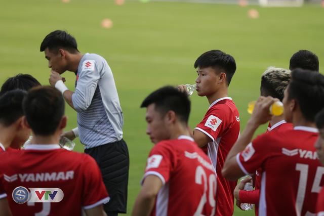 ẢNH: ĐTQG Việt Nam tiếp tục rèn quân cho AFF Cup 2018 - Ảnh 5.