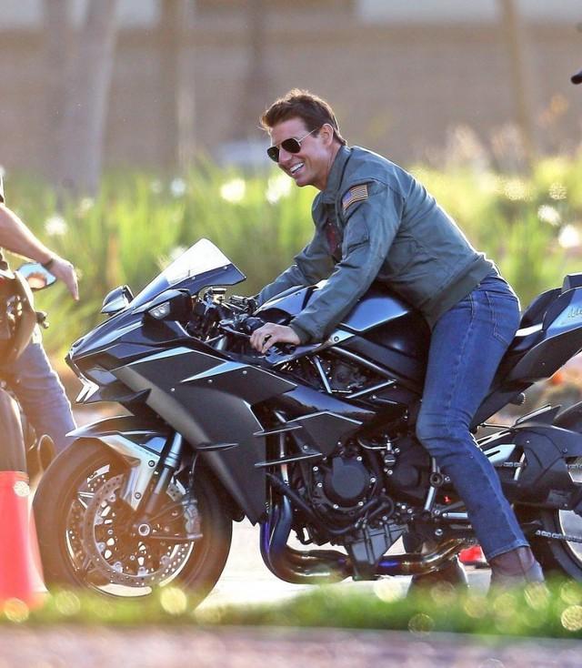 Hé lộ những hình ảnh phong độ của Tom Cruise trong phim Top Gun 2 - Ảnh 1.