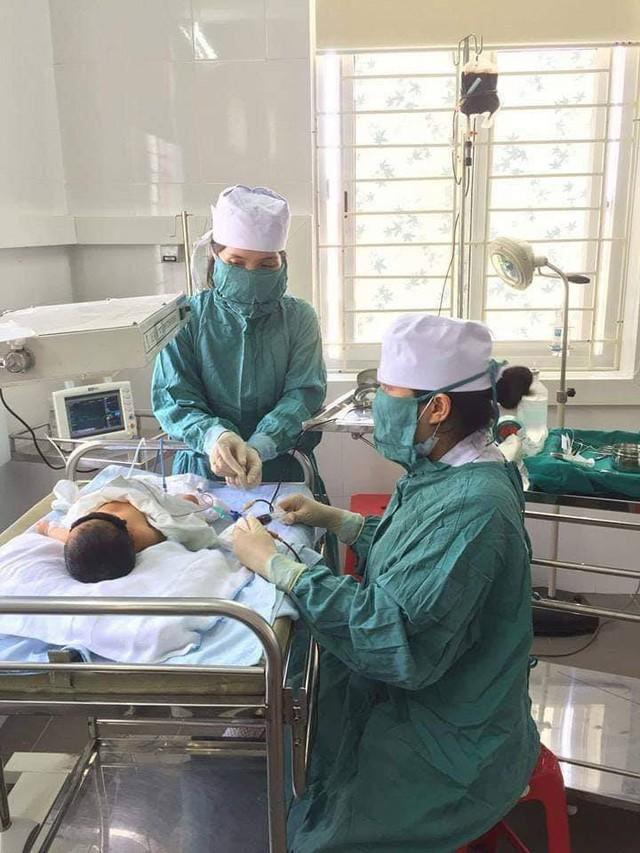 Trẻ sơ sinh vàng da phải thay máu hoàn toàn - Ảnh 1.