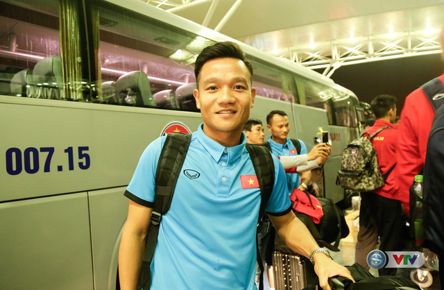 ẢNH: Chuẩn bị cho AFF Cup 2018, ĐT Việt Nam lên đường sang Hàn Quốc tập huấn - Ảnh 1.