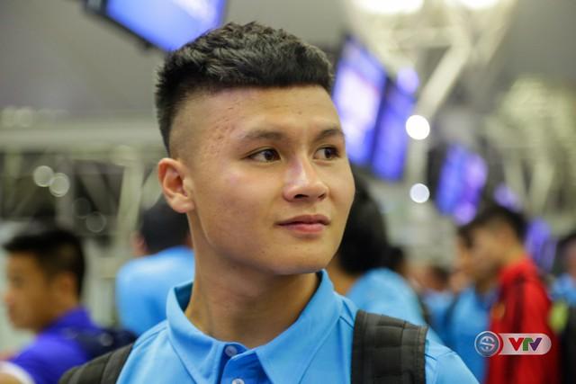 ẢNH: Chuẩn bị cho AFF Cup 2018, ĐT Việt Nam lên đường sang Hàn Quốc tập huấn - Ảnh 14.