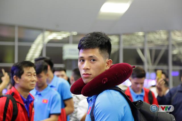 ẢNH: Chuẩn bị cho AFF Cup 2018, ĐT Việt Nam lên đường sang Hàn Quốc tập huấn - Ảnh 5.