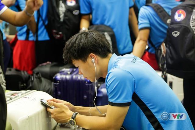 ẢNH: Chuẩn bị cho AFF Cup 2018, ĐT Việt Nam lên đường sang Hàn Quốc tập huấn - Ảnh 4.