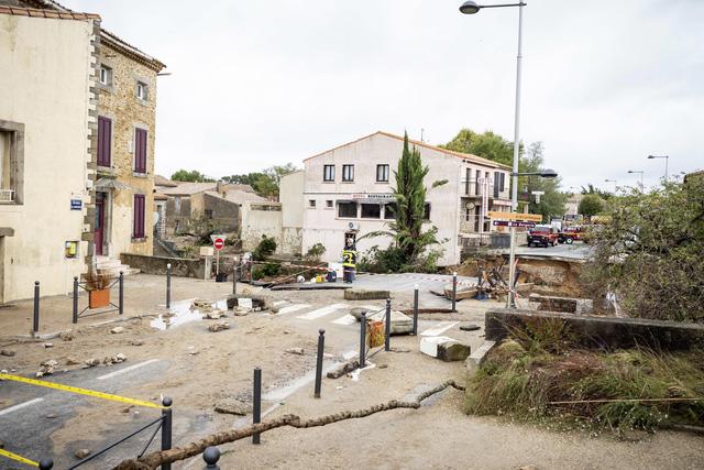 Lũ quét tại Pháp: Số thiệt mạng tăng lên 13 người - Ảnh 9.
