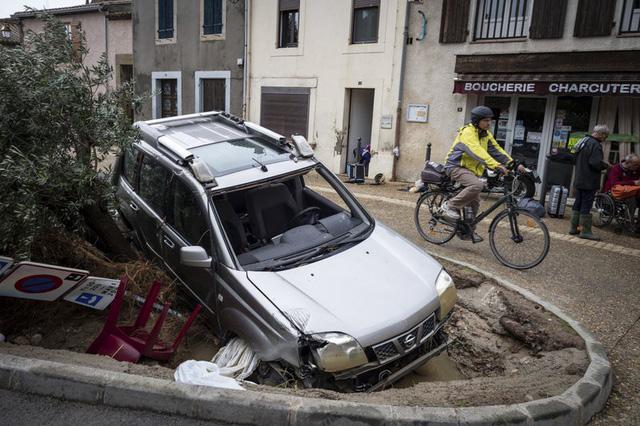 Lũ quét tại Pháp: Số thiệt mạng tăng lên 13 người - Ảnh 15.