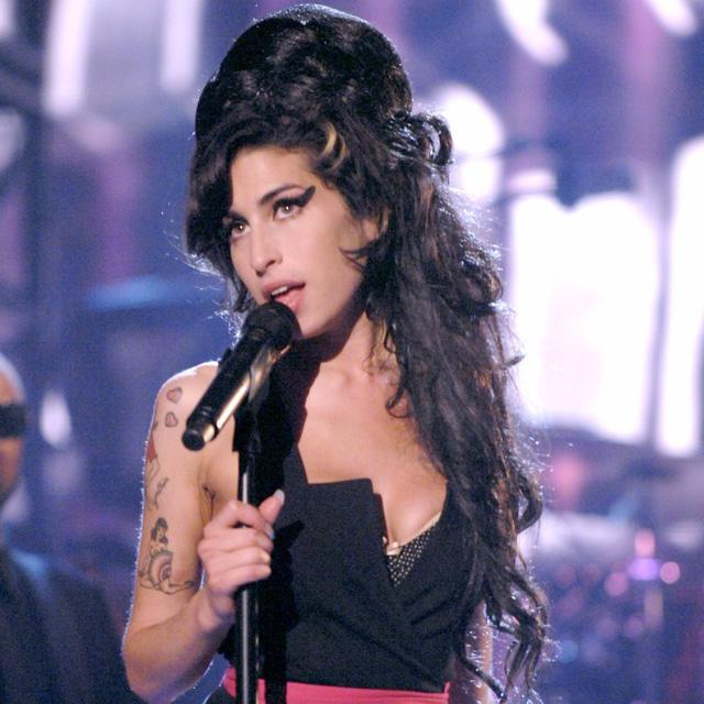 Cuộc đời của nữ danh ca quá cố Amy Winehouse sẽ được dựng thành phim - Ảnh 1.