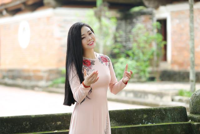 Lương Nguyệt Anh ra mắt MV Nhớ lời mẹ ru nhân ngày 20/10 - Ảnh 3.