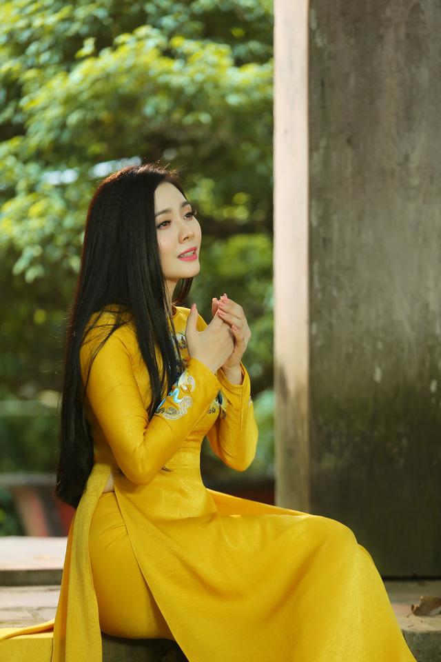 Lương Nguyệt Anh ra mắt MV Nhớ lời mẹ ru nhân ngày 20/10 - Ảnh 5.