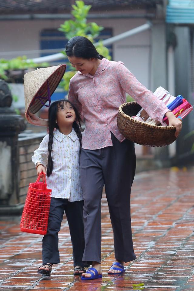 Lương Nguyệt Anh ra mắt MV Nhớ lời mẹ ru nhân ngày 20/10 - Ảnh 6.