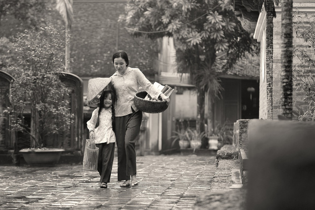 Lương Nguyệt Anh ra mắt MV Nhớ lời mẹ ru nhân ngày 20/10 - Ảnh 2.