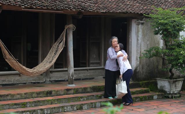 Lương Nguyệt Anh ra mắt MV Nhớ lời mẹ ru nhân ngày 20/10 - Ảnh 7.