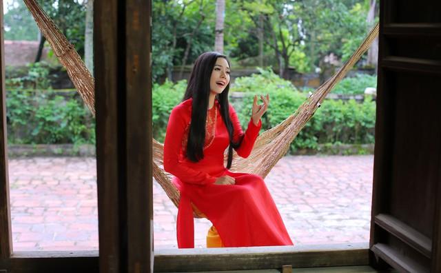 Lương Nguyệt Anh ra mắt MV Nhớ lời mẹ ru nhân ngày 20/10 - Ảnh 4.