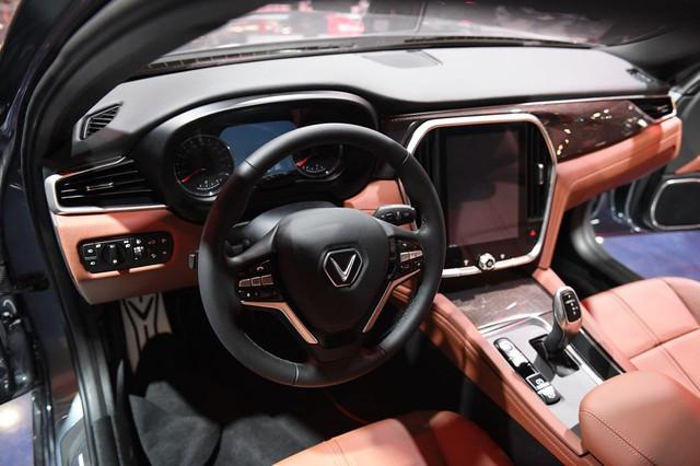 Cận ảnh hai mẫu xe siêu chất của Vinfast tại Paris Motor Show 2018 - Ảnh 10.