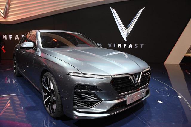 Cận ảnh hai mẫu xe siêu chất của Vinfast tại Paris Motor Show 2018 - Ảnh 5.