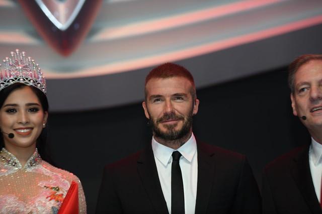 David Beckham đẹp trai khó cưỡng tại buổi ra mắt xe của Vinfast - Ảnh 4.