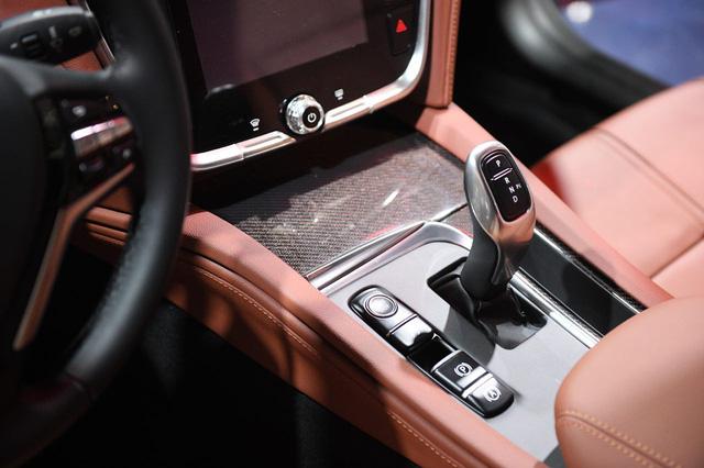 Cận ảnh hai mẫu xe siêu chất của Vinfast tại Paris Motor Show 2018 - Ảnh 11.