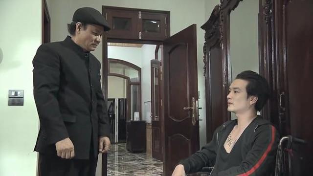 Quỳnh búp bê - Tập 14: Bị vu tội giết người, Cảnh dí dao vào cổ ông Cấn, đưa mẹ con Quỳnh bỏ trốn - Ảnh 1.