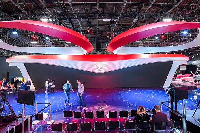 Hé lộ sân khấu VinFast tại Paris Motorshow trước giờ G - Ảnh 2.